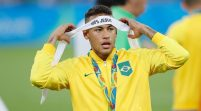 Neymar Returns To PSG Amidst High Transfer Speculation