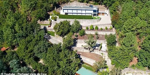 Ronaldo 'Sells £2.3M Hillside Mansion To Teammate Pepe