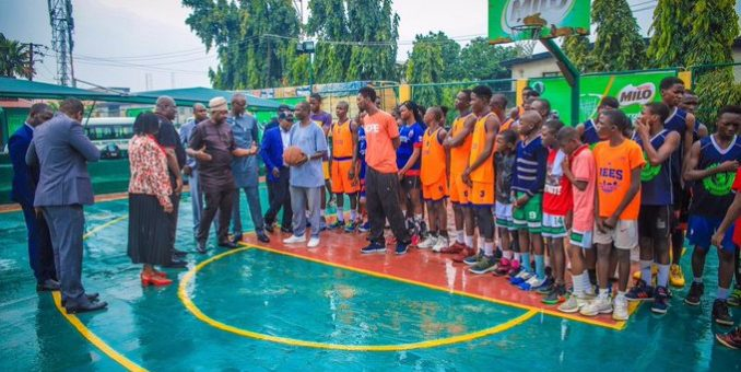 Sport Minister Pays Unscheduled visit to Dodan Warrior Lagos