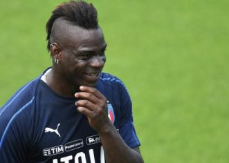 Balotelli Sent Off Seven Minutes After Coming On As Sub