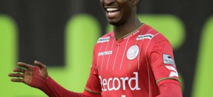 Peter Olayinka Receives Praise After Great Performance Against Barecelona In CL