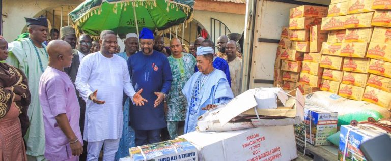 Sports Minister Donates Relief Materials To Victims Of Akesan Market Fire, Calls For More Assistance