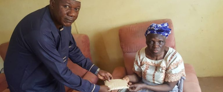 Sports Minister  Extends Kind Gesture To Sunday Bada's Mother, Donates Cash,  Foodstuff