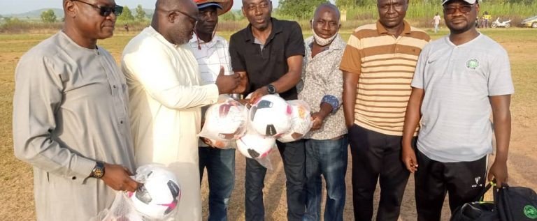 Niger Tornadoes Donate Balls To wakili Academy